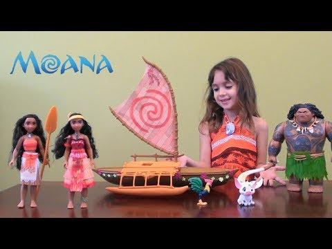Disney Moana and Maui's Birthday Story with Moana Boat and Maui Toy Set