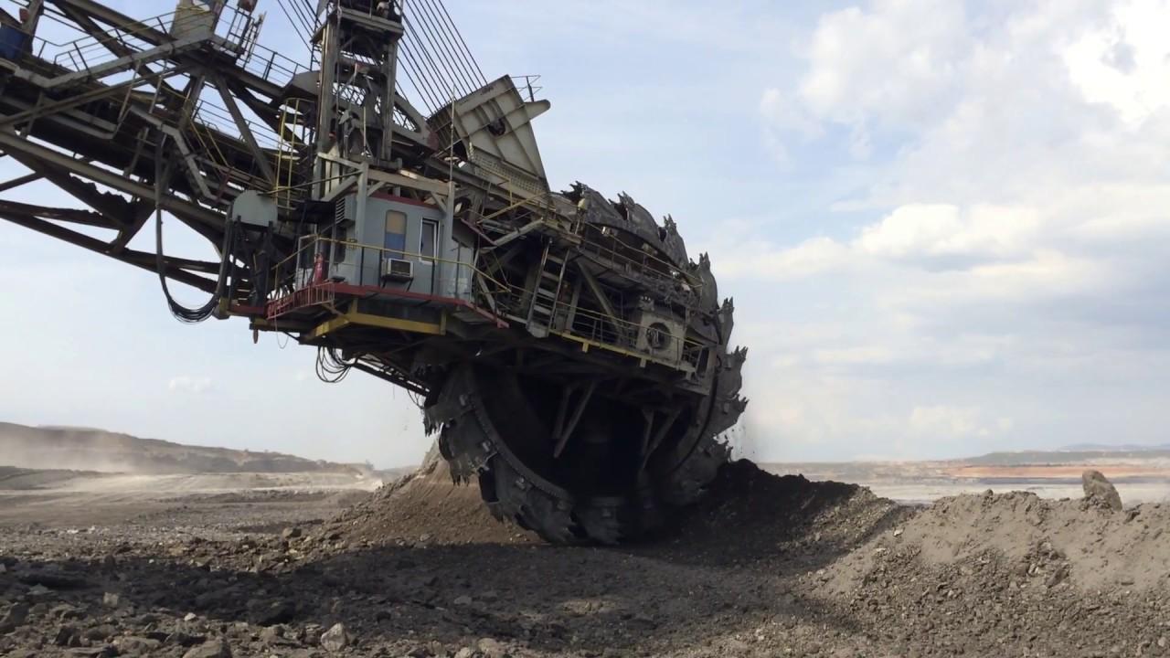 Wheel Bucket Excavators Working At Coal Mines Youtube