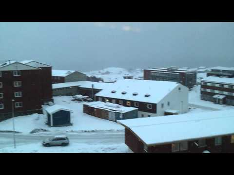 Snevejr over Nuuk set fra Tele greenland. November