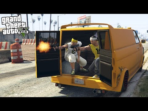 JOINING A GANG - TAKING OVER TERRITORY!! (GTA 5 Mods)