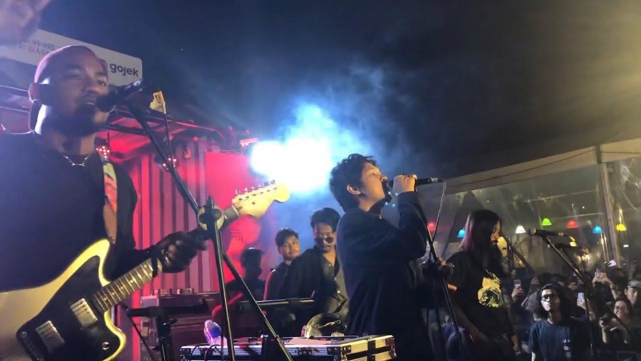 Download Feast - Kelelawar (Live at GoFood Festival Gelora Bung Karno, Jakarta 06/12/2019)