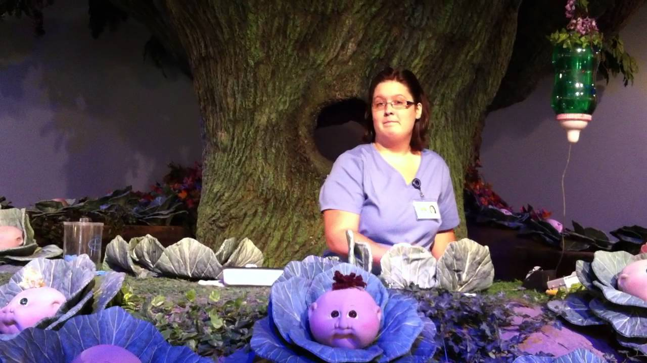Live Birth Of Cabbage Patch Baby At Babyland General Youtube