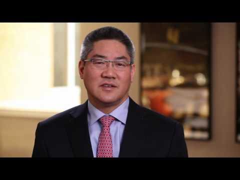 Meet Des Moines Plastic Surgeon, Lester Yen, MD | Iowa Clinic