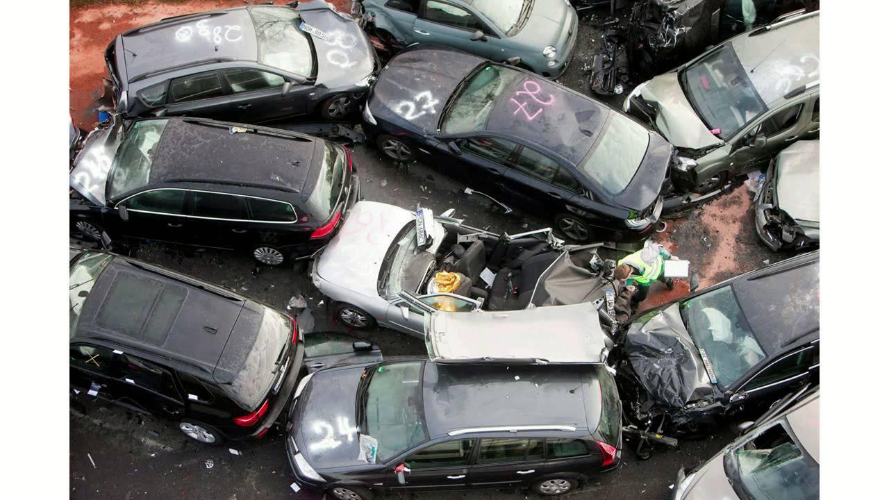 Например, по соннику миллера, сломанное авто предвещает разлад в дружеских отношениях.