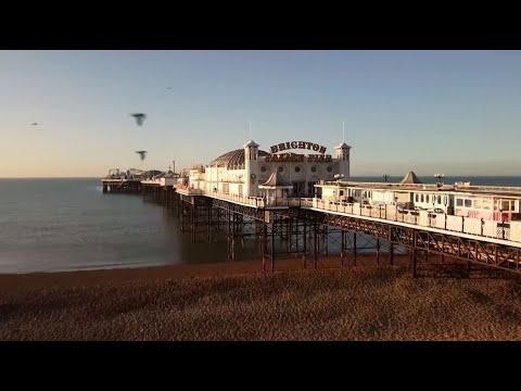 مشاهد جوية للرصيف البحري التاريخي في برايتون البريطانية