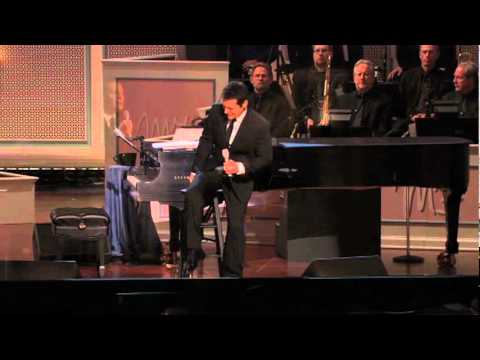 Michael Feinstein: FLY ME TO THE MOON - OFFICIAL CLIP