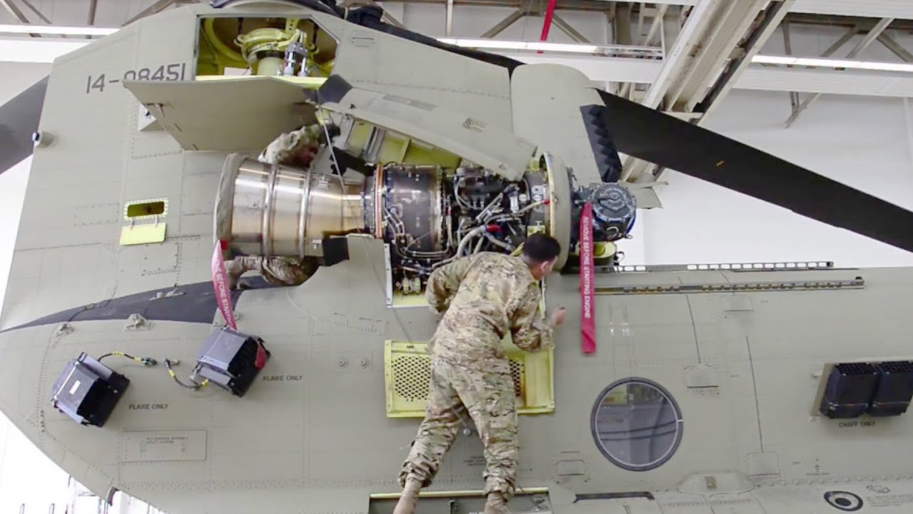 CH-47 Chinook Helicopter Maintenance #shorts