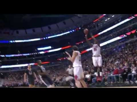Marreese Speights flops on Pau Gasol: Golden State Warriors at Chicago Bulls