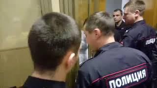 видео: Анастасию Шевченко из Открытой России отправили под домашний арест