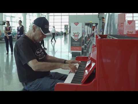Levon Malkhasyan (Malkhas) Played On The Piano At