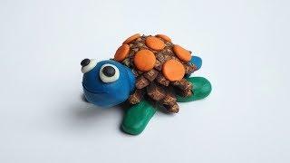 Черепаха из шишки и пластилина. Как сделать поделку для детей из природного материала.