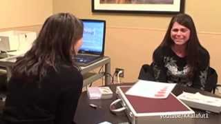Video Nerecomandat celor foarte emotivi! Iata ce reactii au persoanele care aud pentru prima data in viata!