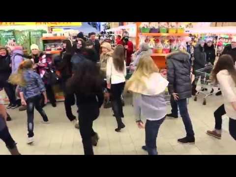 Здоровский флешмоб в гипермаркете Череповца