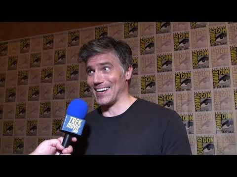 Anson Mount Talks About Playing Capt. Pike In 'Star Trek: Discovery'