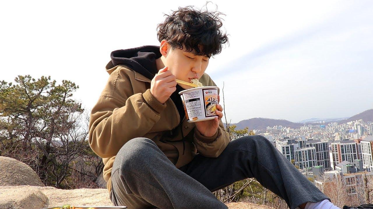 먹방 브이로그) 정상에서 김밥 컵라면, 매운 까르보나라 파스타, 경양식 돈까스, 크로와상 먹방!⛰