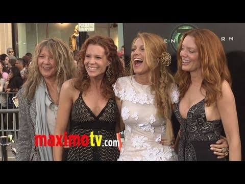 Blake Lively and Sisters Elaine Lively, Robyn Lively and Lori Lively