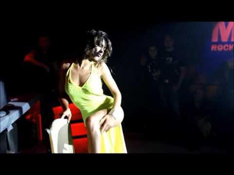 Голые на сцене - видео @ I-Sux -
