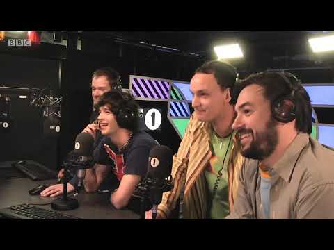 INTERVIEW | The 1975 - Me & You Together Song release (Hottest Record Live)