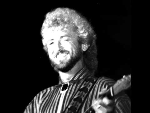 Keith Whitley: Pick Me Up on Your way Down