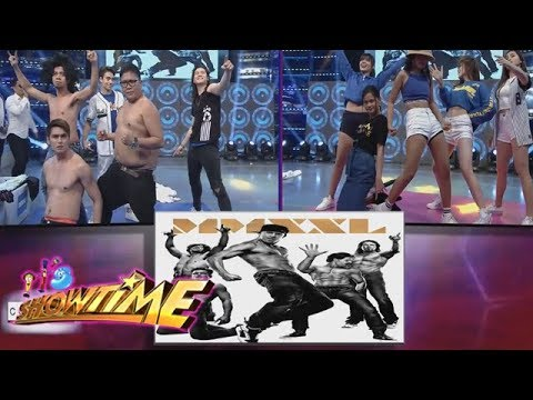 It's Showtime Copy-Cut: Team Boys and Team Girls copies the Magic Mike Pose