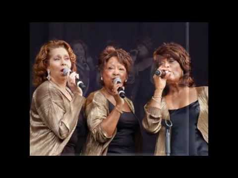 The Three Degrees - Live at London's Cafe Royal