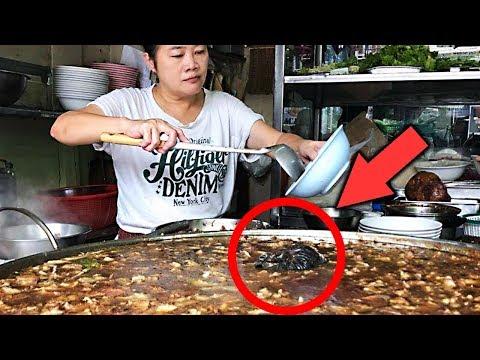 В тайском ресторане готовят суп из остатков вчерашнего на протяжении 45 лет