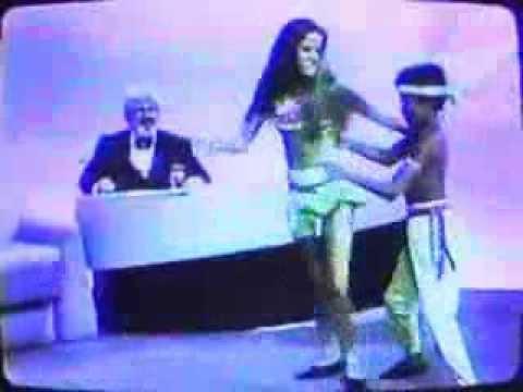 Chico & Roberta dance to Lambada live