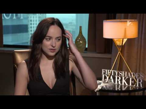 E.L. James, Dakota Johnson, Jamie Dornan - Entrevista para Hello Hollywood