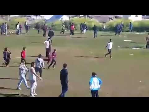 Violenta pelea en clásico del fútbol de San Antonio