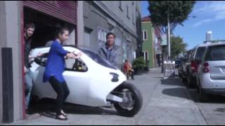 Gyro-stabilized Electric Motorcycle Hits Road