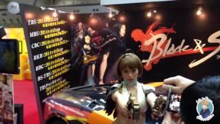 Anime Japan 2014. Грудастая косплейщица и огромный робот