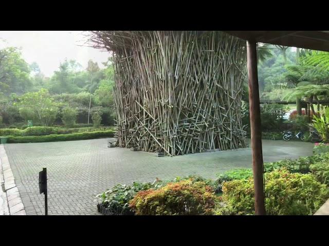 Clowy Estrop - Dusun bambu Lembang