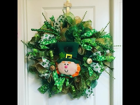 How to make an St Patrick's Day wreath with 30in ruffles and a Leprechaun