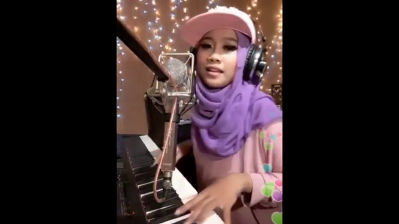 Sia - Chandelier ( cover Ayuenstar ) Bigo Live Indonesia - YouTube