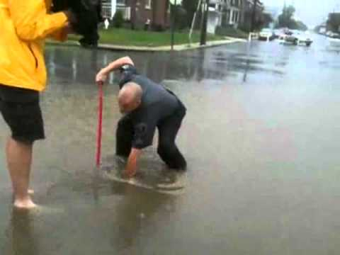 RAW VIDEO: Hockey Stick Used To Clear Storm Drain