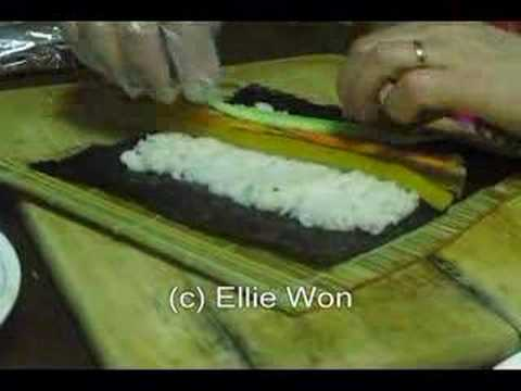 How to roll kimbap