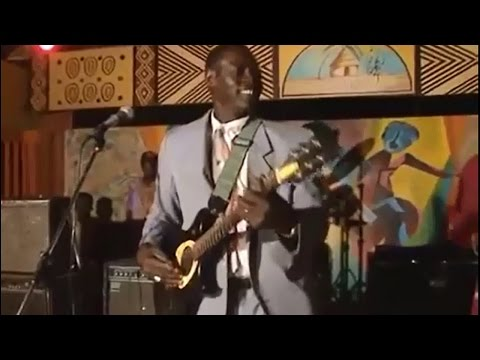 Ali Farka Touré performs 'Diaraby' at a wedding