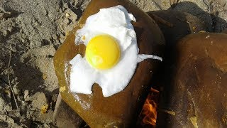 Roasted Egg On The Rock To Survive On The Small Island | Primitive Eating