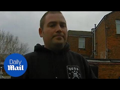 Moment Paedophile Hunters Guardians Of The North Snare Man In Sting