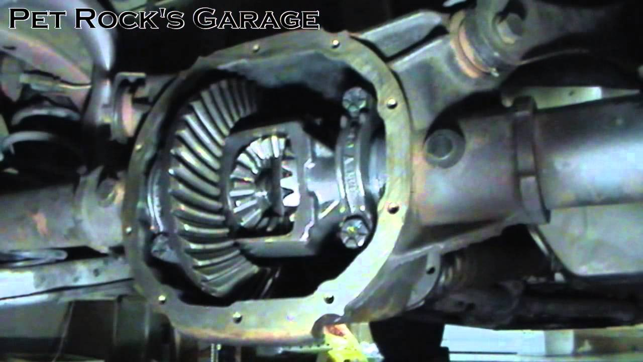 How to change ford 7 5 8 8 differential fluid ford mustang youtube