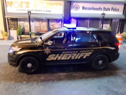 Suffolk County Sheriff Boston 1/18 scale Ford Explorer with lights