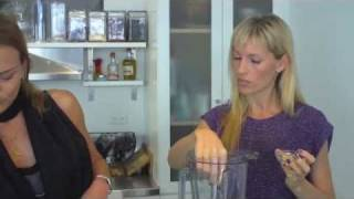 How To Make Raw Carrot Coriander Soup With Renee Loux And Organic Avenue