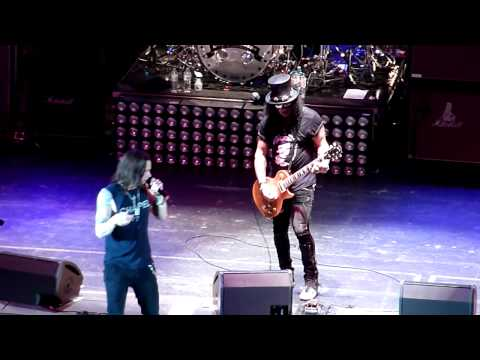 "Slash & Myles Kennedy ""Apocalyptic Love"" Live (London, UK 06/06/2012)"