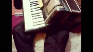 Урок на аккордеоне урок #2