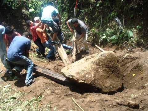 Viva la piedra viva de Nahuizalco.wmv