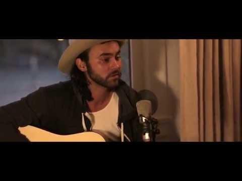 "Shakey Graves - ""Tomorrow"" // The Bluegrass SituationKaynak: YouTube · Süre: 3 dakika51 saniye"