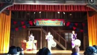 2012年1月12日、東京ディズニーランド It's Show Timeでのパフォーマンス.