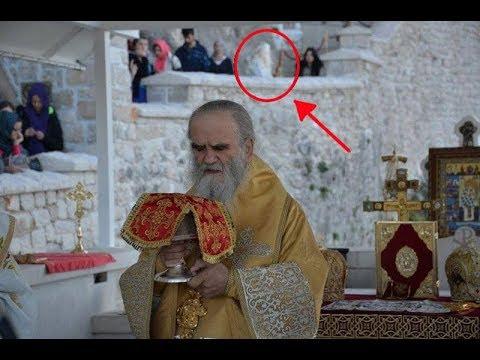 Čudo U Manastiru: Dok Je Amfilohije Služio Liturgiju Pojavio Se Sveti Vasilije Ostroški
