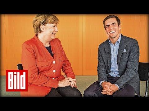 """Lahm interviewt Merkel - """"Können Sie die Angst vor der Zukunft nehmen?"""""""