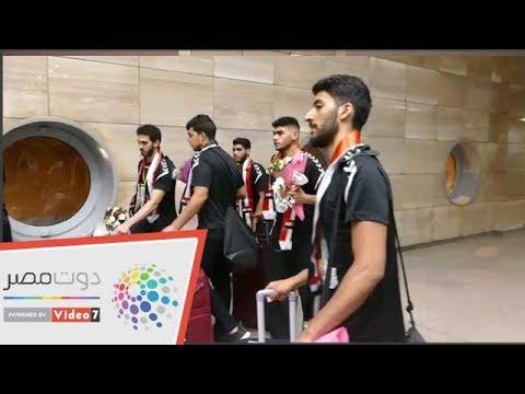 استقبال أبطال ناشئي اليد بالورود في مطار القاهرة  - 03:53-2019 / 8 / 20